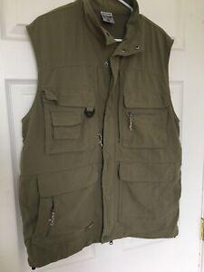 Columbia GRT Men's Large Omni-Dry Fishing Hiking Camping 10 Pocket Vest Med
