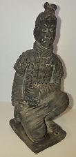 Vintage Chinois Terre Cuite Argile GUERRIER SOLDAT agenouillé figurine statue UK vendre