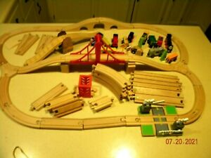 large LOT Wooden Thomas The Tank Engine Wood Train Track USED & engines +