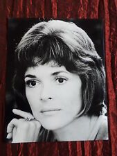 JESSICA WALTER - BLACK AND WHITE 8X10 PHOTOGRAPH