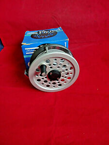 """OLD SHOP STOCK VINTAGE BOXED SHAKESPEARE 3 1/2"""" WIDE BEAULITE MK2 TROUT FLY REEL"""