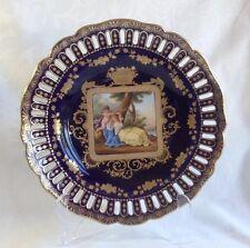 SUPERBE 19thC réticulé Vienne Cabinet plaque Risky Maiden Cupidon Shield Mark