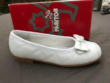 White Leather Quilted Shoes Flats Girls Size 1/ Eur 31