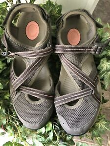 Teva Ewaso Womens Size 9 Gray/Pink Slip On Walking Trail Closed Toe Sandals~NWOB