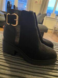 River Island girls small block heeled Black Boots size 12