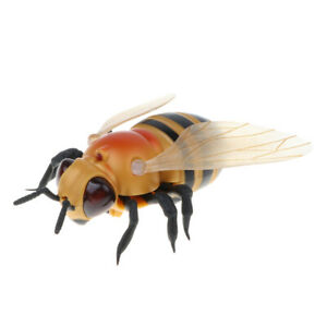 Infrared Remote Control Bee - RC Animal Fake Insect for Joke Scary Trick Toy