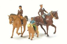BRITAINS FARM Horses and Riders Set 1:32 Scale - (Britains 40956)
