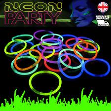 "100 X 8"" Colores Fiesta Neon Glow Sticks Pulseras Glo Glowsticks UV Luz a granel UK"