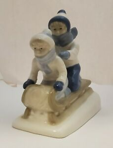 Porcelana De Cuernavaca PS ~ Mexico Figurine 1992 Children (Boy & Girl) Sledding