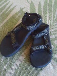 Teva 1535 Vintage 1999 Mens Sz 9 Sport, Water, Hiking Sandals Never Worn!!