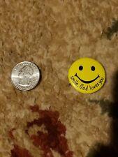 """SMILE GOD LOVES YOU"" BUTTON Christian pin pinback  badge Jesus  CONGREGATION"