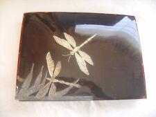 Boîte vintage en plastique marron marbré ornée de libellules dorées
