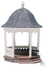 D236 Woodland Scenics Gazebo Kit