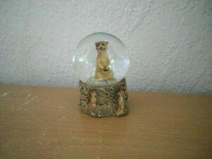 """Kleine Schneekugel """"Erdmännchen"""" (Kunstharz/Glas) / Small Snow Globe """"Meerkat"""""""