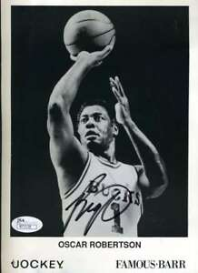 Oscar Robertson Jsa Coa Autographed 6x9 Photo  Hand Signed Authentic