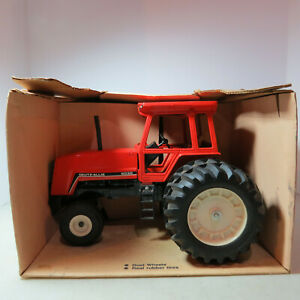 Ertl Deutz-Allis 8030 Tractor made USA  1/16 DA-1250-10DO-B