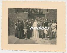 Foto Offizier mit Braut -Familie-viele Orden 2.WK (h613)