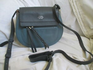 VINCE CAMUTO 2 TONE GRAY LEATHER SMALL CROSSBODY BAG.