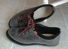 ECCO Damen Schuhe SNEAKER Gr.40 Gr.6,5 Leder grau und schwarz Schnürschuhe Top!