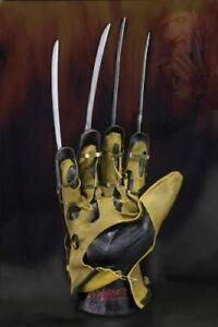 Official NECA A Nightmare on Elm Street Deluxe Freddy Krueger Glove Replica