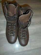 KARRIMOR  MENS BROWN LEATHER COMBAT COLD WEATHER BOOTS SIZE 8W BRITISH ARMY