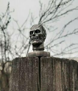 Zombie head (tin figure)