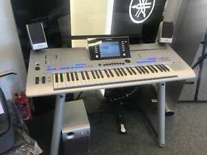 Yamaha Tyros4 61-Key Workstation Keyboard