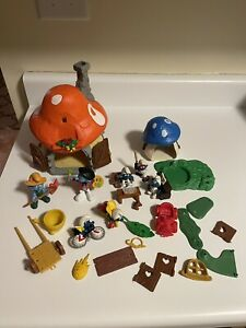 Smurfs Red Mushroom House & Blue Cottage Smurf Playset & Schleich Figures +parts