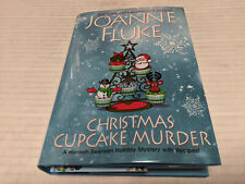 A Hannah Swensen Mystery Ser.: Christmas Cupcake Murder by Joanne Fluke (2020, Hardcover)