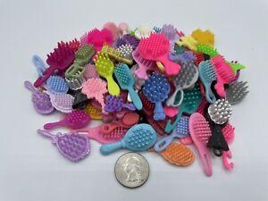Barbie DOLLHOUSE Fashion Accessories BEAUTY LOT BATHROOM HAIR BRUSH BRUSHES