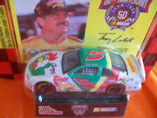TERRY LABONTE CORNY 1/64 scale 1998 WITH COLLECTOR CARD & STAND