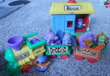 FISHER PRICE LITTLE PEOPLE lot train with depot /train stop 10 pc (elephants)