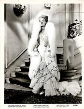 AMERICAN GLAMOROUS ACTRESS LANA TURNER ,SIGNED VINTAGE STUDIO PHOTO