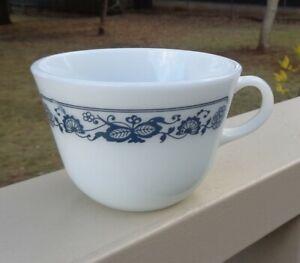 Vintage 1970s Pyrex USA Old Town Blue Onion Opaline Milk Glass Coffee Tea Cup