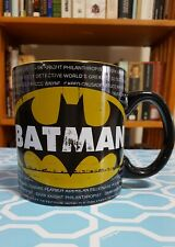 NEW DC COMICS: BATMAN LOGO on Written Strip 20oz MUG. Black/Yellow.
