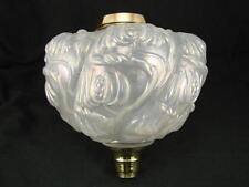 Vittoriano SAGOMATO wrythen OPALESCENTE Vetro Lampada Petrolio font Art Nouveau Decorazione