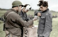 WW2 Picture Photo American soldier with German POWs 3246