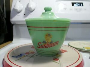 Jadeite Green Glass Sunbeam Bread Grease Jar & Lid in Excellent Condition