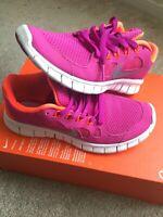 Girls' Grade School Nike Free 5.0 Print Running Shoes