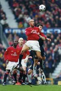 Manchester United Signed A4 Photograph - Mikael Silvestre