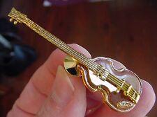 (M-225-A) HOFNER CAVERN LEFT HANDED BASS GUITAR Tac Pin I love the Beatles tack