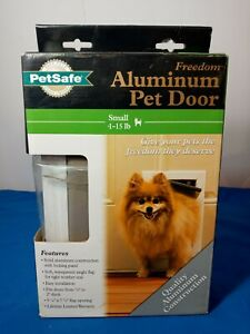 PetSafe Freedom Aluminum Construction Pet Door, Small 1-15 Pounds Weather Seal