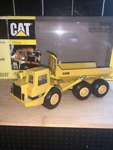 Norscott CAT D350D Articulated 1.50 Truck Tipper Dump Die-Cast Model - 1998