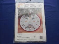 Vintage Christmas Mini Tree Skirt Cross Stitch Kit Three Bears from Hobby Craft