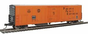 Walthers HO Scale 57' Mechanical Reefer Pacific Fruit Express/PFE #456525