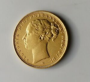 1882 Full Gold Sovereign Young Head Victoria Melbourne Mint