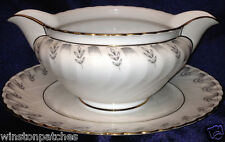 ROYAL TETTAU BAVARIA GERMANY GRAVY BOAT & ATTACHED UNDER PLATE 20 OZ GOLD TRIM