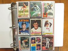 Lot  of  500  NOLAN  RYAN  Baseball  Cards (1976-1993/in Notebook/clear  sheets)