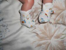 chaussons disney winnie pour bébé 1 mois ou reborn 50cm