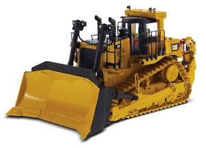 Diecast Masters 85532 - Caterpillar CAT D10 T2 Dozer Track Type Tractor 1:50